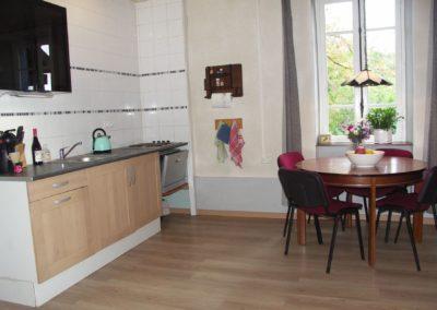 Gîte Sioullet de keuken met zithoek